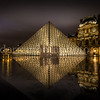 Louvre museum by night ...