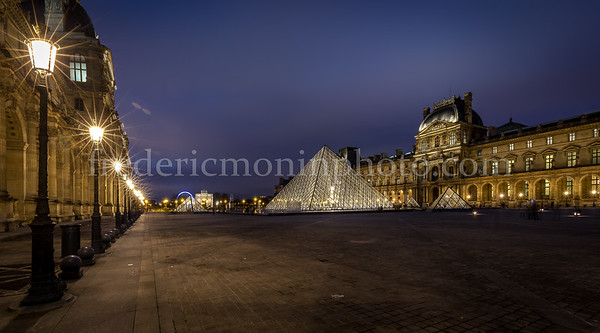 Blue Hour on the louvre at Paris