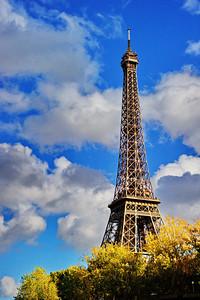 Paris_Eiffel_Tower_Blue-sky_RAW7164