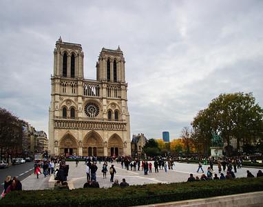 Paris_Notre_Dame_Front_Courtyard_RAW7730_11X14