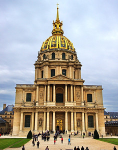 Napoleon's casket sits on a pedestal inside this chapel.