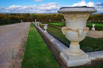 Paris_Versailles_Rear_gardens_RAW7385