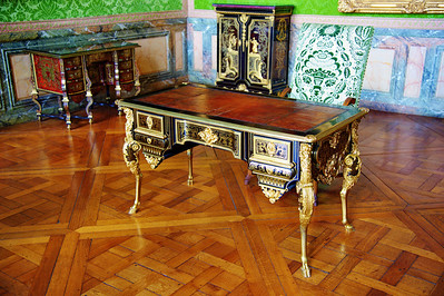 Paris_Versailles_Desk_RAW7357