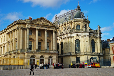 Paris_Versailles_Courtyard-Chapel_RAW7349