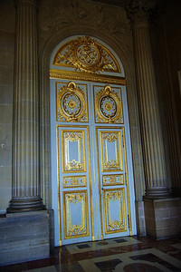 Paris_Versailles_gold_door_RAW7363