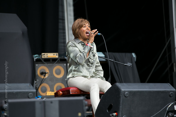 gwen dickie ( formally of soul group Rose royce)