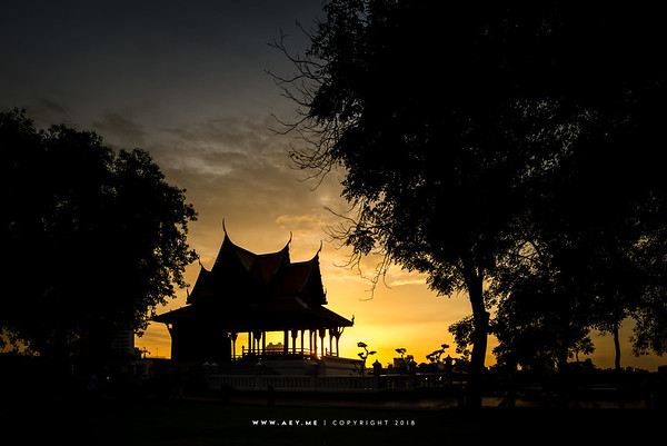 Sunset at Phra Thinanag  Santi Chaiprakarn, Santi Chaiprakarn Park