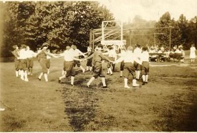 Children Playing I (00261)