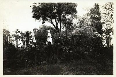 Dutch Girls in Miller Park (00213)