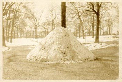 Pile of Snow I (00394)