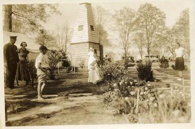Windmill and Dutch Girls (00218)