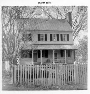 Miller-Claytor House in Riverside Park I (02701)