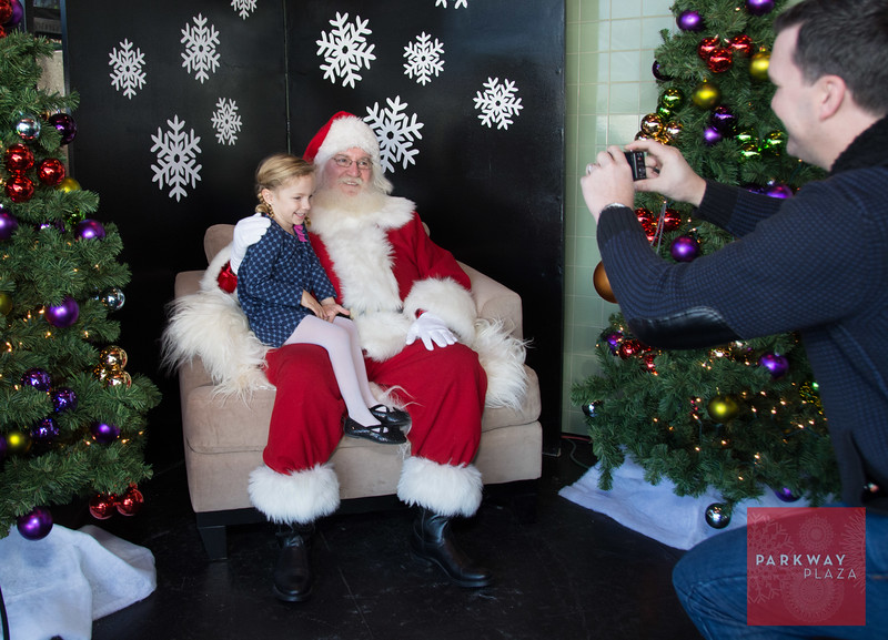 Parkway Plaza Breakfast with Santa-0258