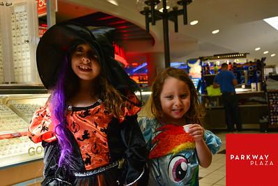 Parkway Plaza Halloween 2015-6400