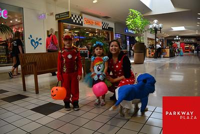 Parkway Plaza Halloween 2015-6366