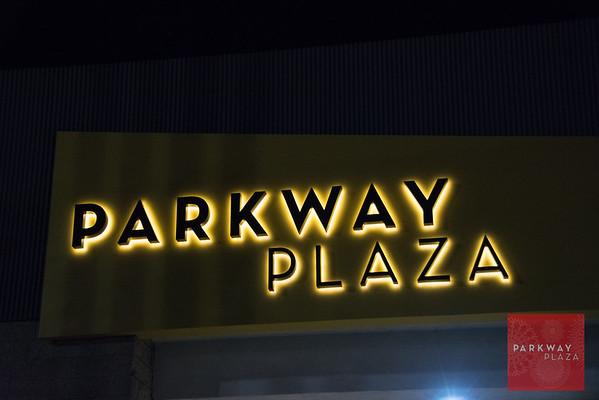 Parkway Plaza Santa-8156