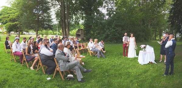 Mariage de Lucie et Thomas, cérémonie d'engagement - Domaine de Navas, 25 juin 2016<br /> <br /> Photo par Light eX Machina