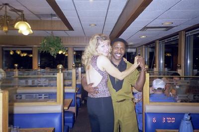 2000-6-3 Dancin at the Hop