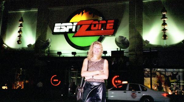 2000-7-21   ESPN Zone0011
