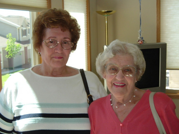 Barb Hovland & Delly Austad
