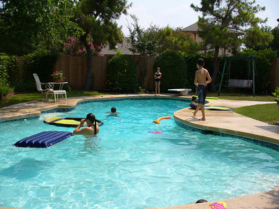 2005.8.6 Pool Party