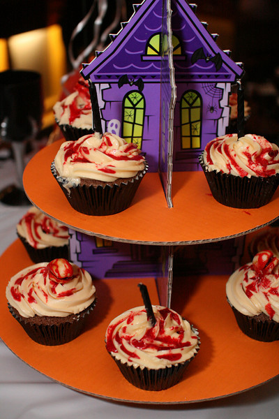 Jules' Birthday Party: Chestburster Cupcakes