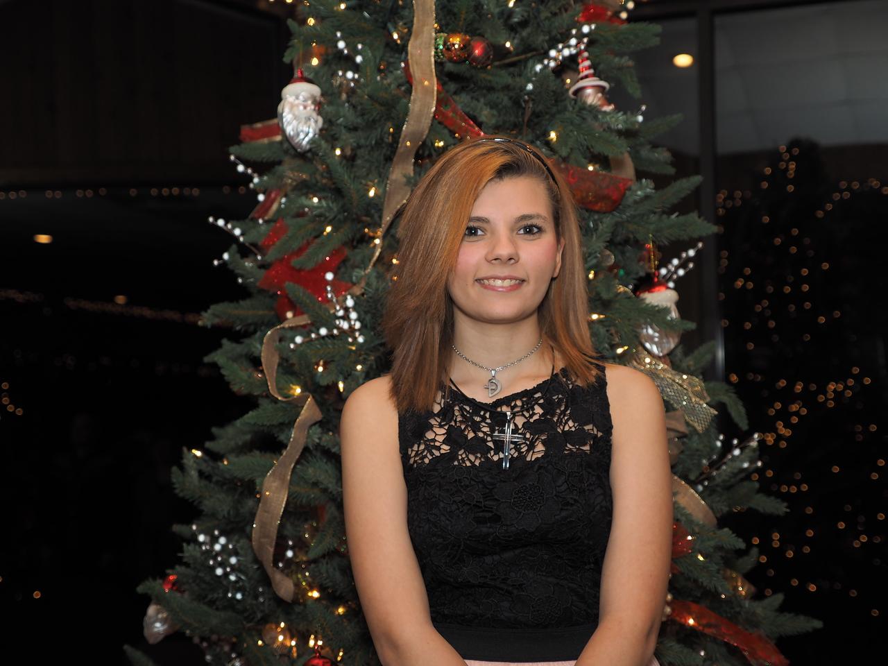 ChristmasPrty_SQD185054_OMD10040_Org