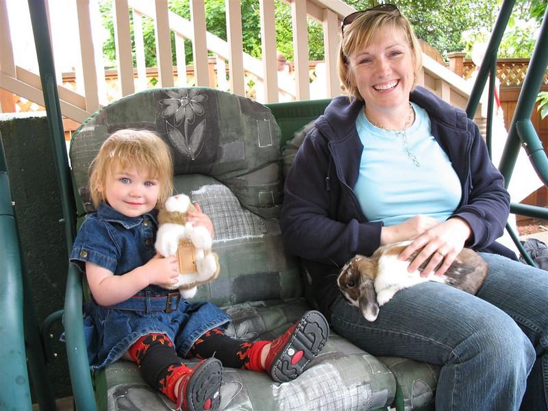 Sara with Mom Nicole - petting bunnies