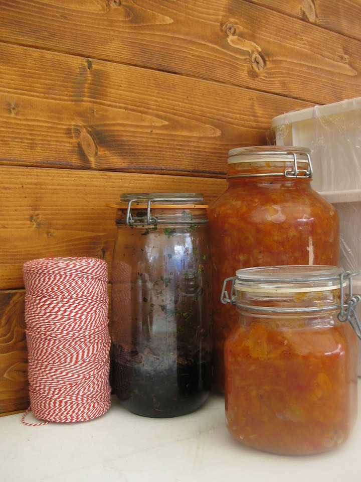 home-made apricot chutney, Afrikaans style