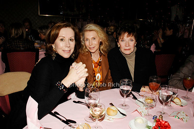 Carolyn Roehm, Joan Schnitzer and Polly Bergen