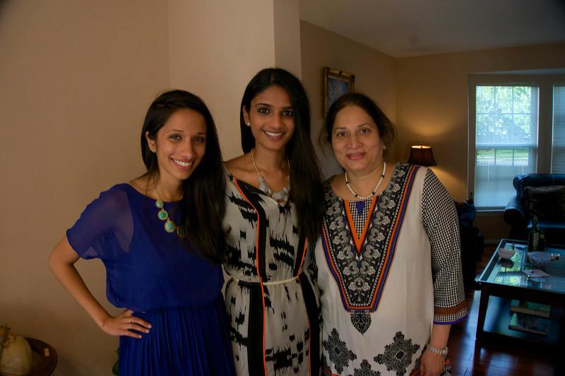 Sunaina, Niyati and Nalini<br /> DSC 2589