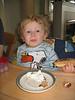 Timmy nascht Omas selbstbackenen Apfelkuchen