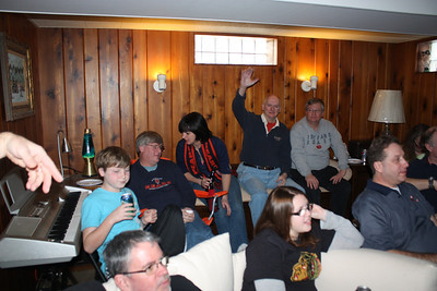 20100116 Wozniak Chili Party-Bears Playoff 012