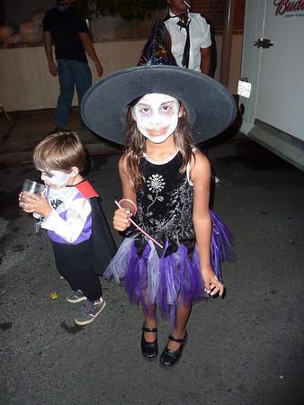 Halloween eve 2010 kids Dntn hon (5)