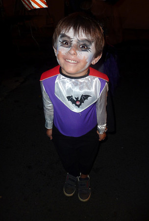 Halloween eve 2010 Batman boy Dntn hon