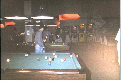 1999-8  08 shark City