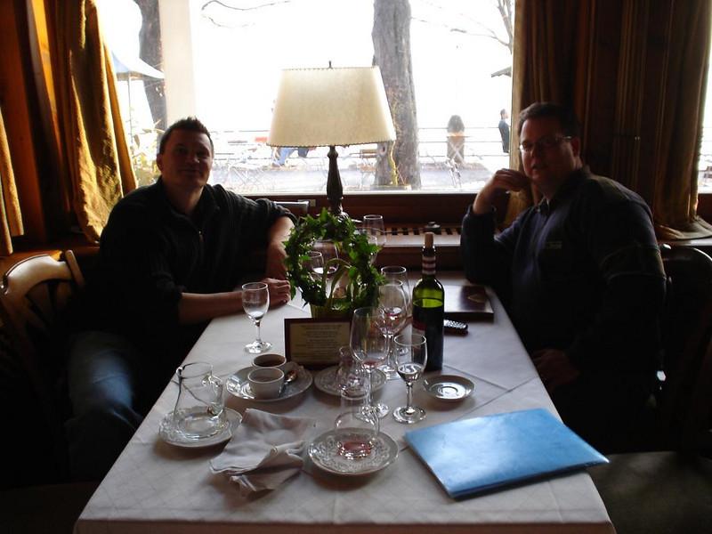 Michi und Marco bei der finalen Weinprobe