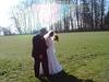 Brautpaar vor dem Reisbewurf