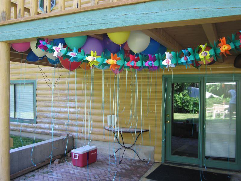 Pre-party preparations - BALLOONS