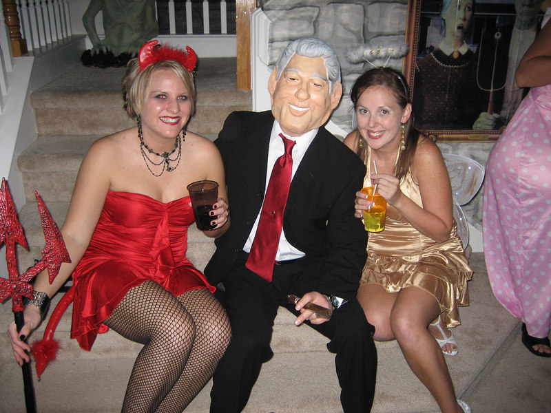 Bill Clinton and the devil/angels on his shoulder