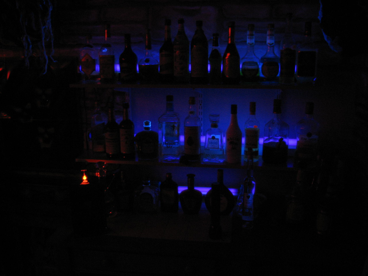 the bar as seen by everybody