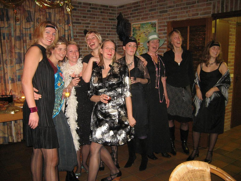 All the ladies in Roaring 20s style