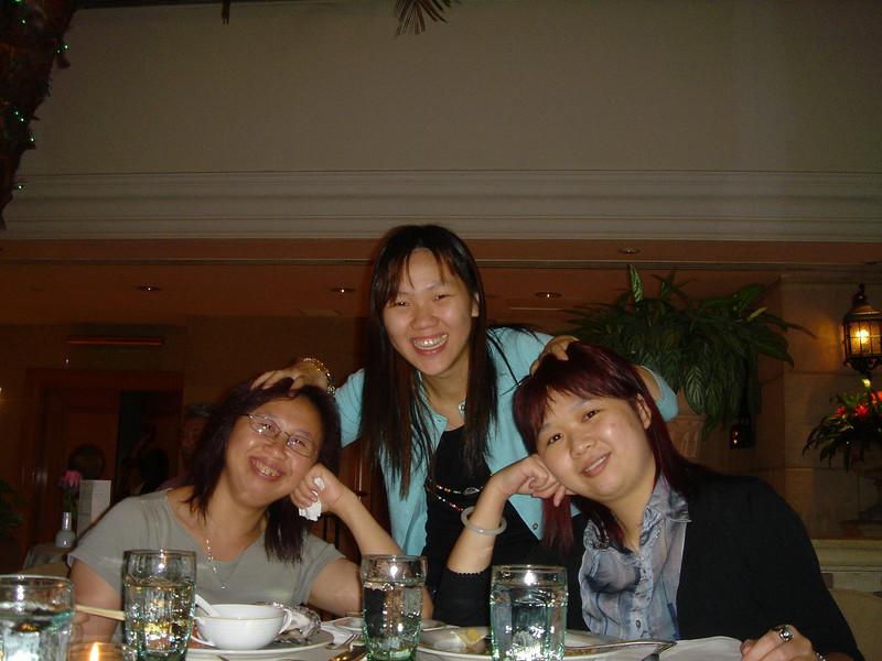 DSC05734 <br /> Fiona, Gloria and Nicole