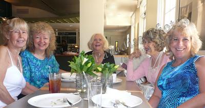 Ladies at Museum DnTn 0609 table