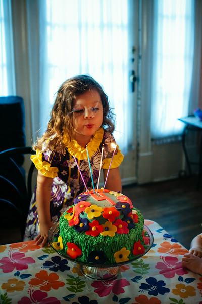 Scarlett's Luau 4th Birthday Party