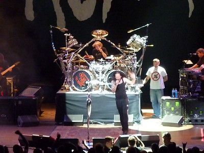 2010 03 29-Korn Concert 027