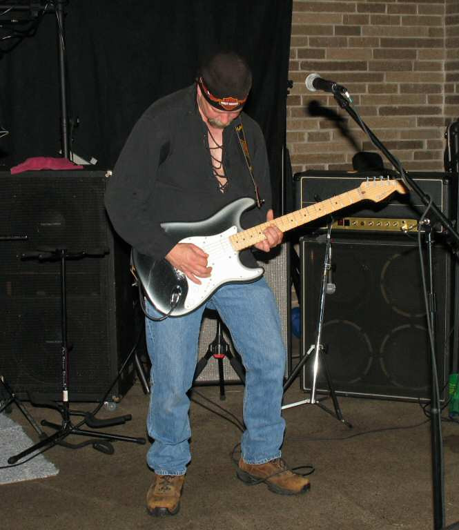 Barry jams again. Great player, with a great collection of axes.