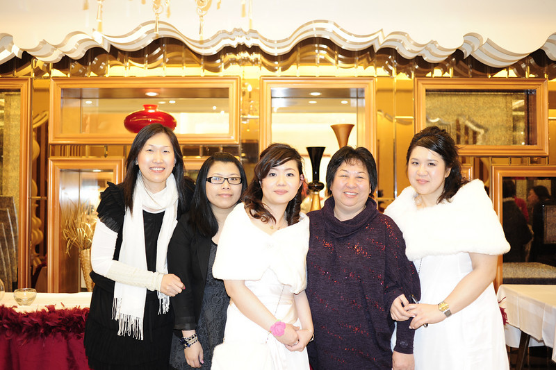 Peggy, Megan, Ron, 媚媚, Connie