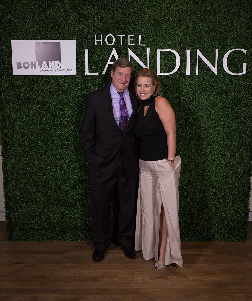 385 - RobertEvansImagery com Hotel Landing  11-4-17  BX2A8850