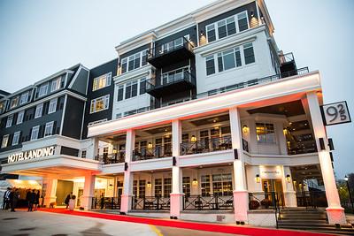 23 - RobertEvansImagery com Hotel Landing  11-4-17  BX2A8393